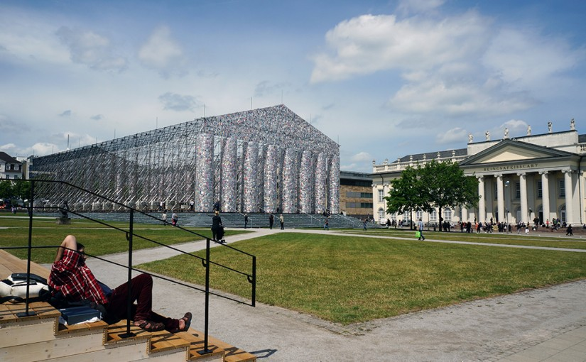 LR-DSC01614 Marta Minujín, The Parthenon of Books, 1983-2017